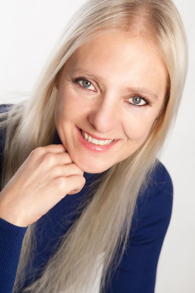 Barbara Heider-Rauter ist AuraSoma-Expertin.